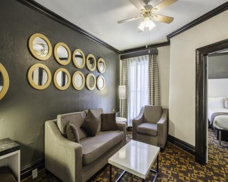 Junior King Suite Sitting Area
